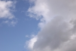 9103-weisse-wolken-blauer-himmel
