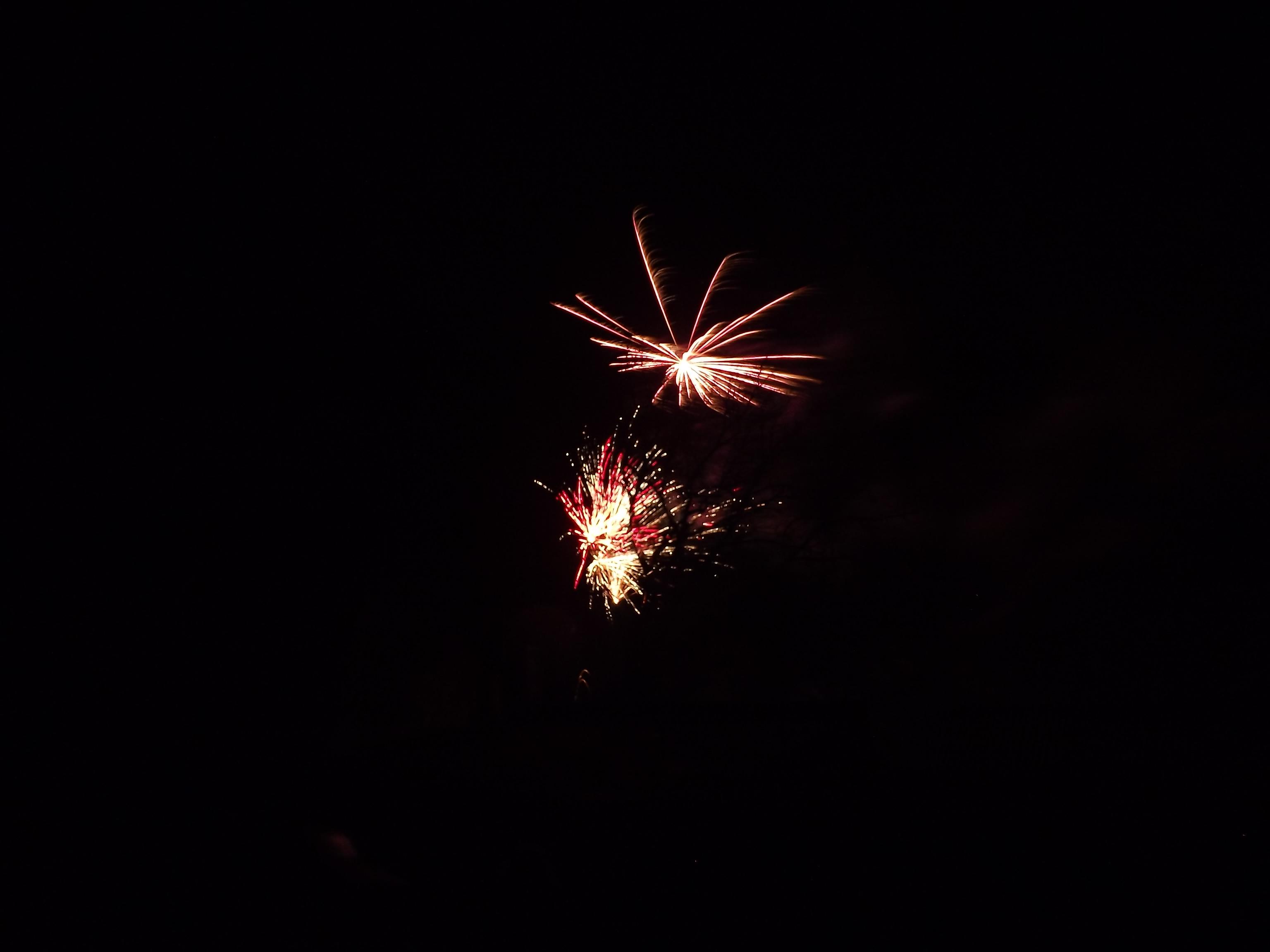 feuerwerk-zwei-explosionen-4484