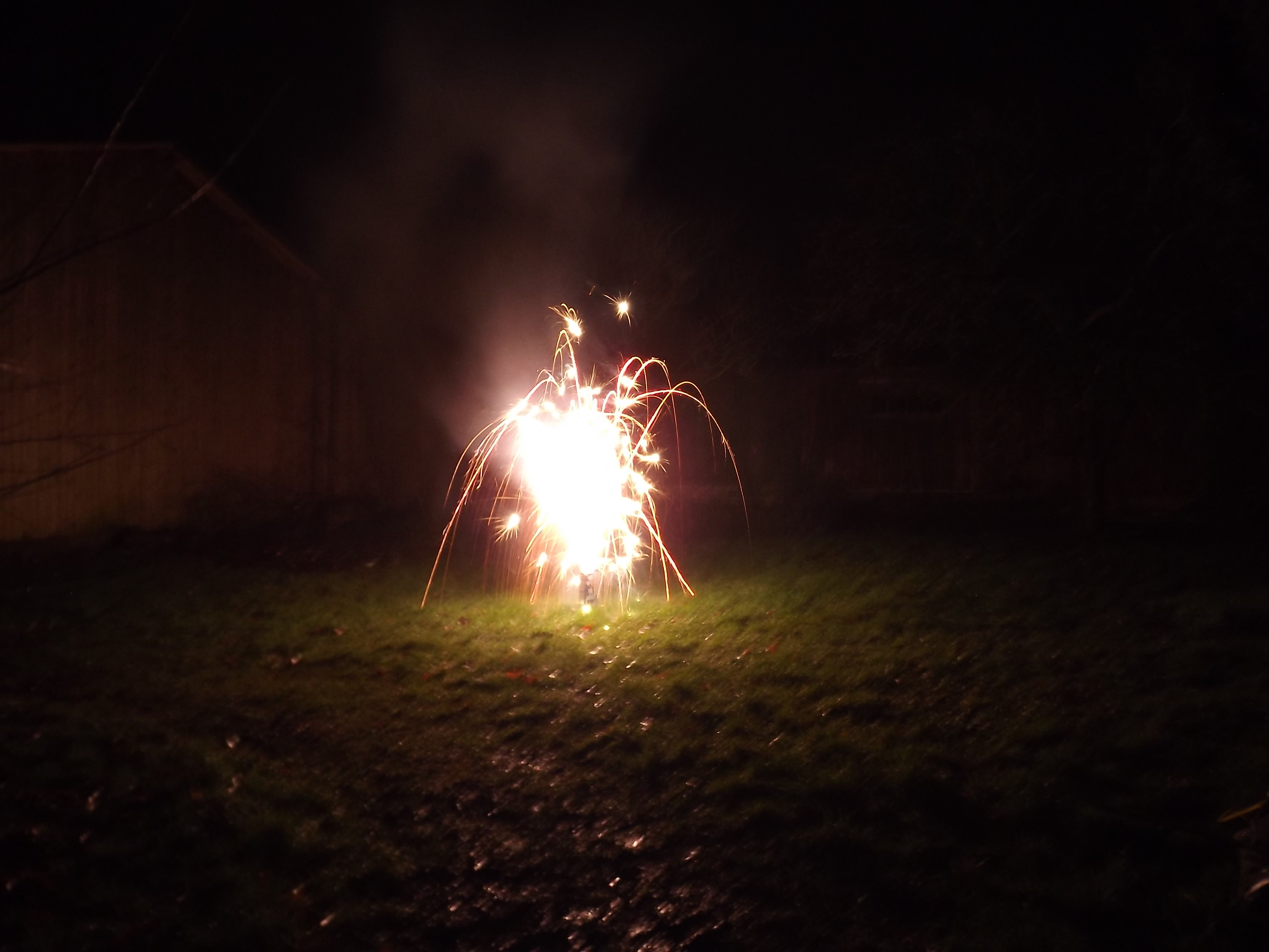 6728-feuerwerk-silvester-neujahr-fontaine
