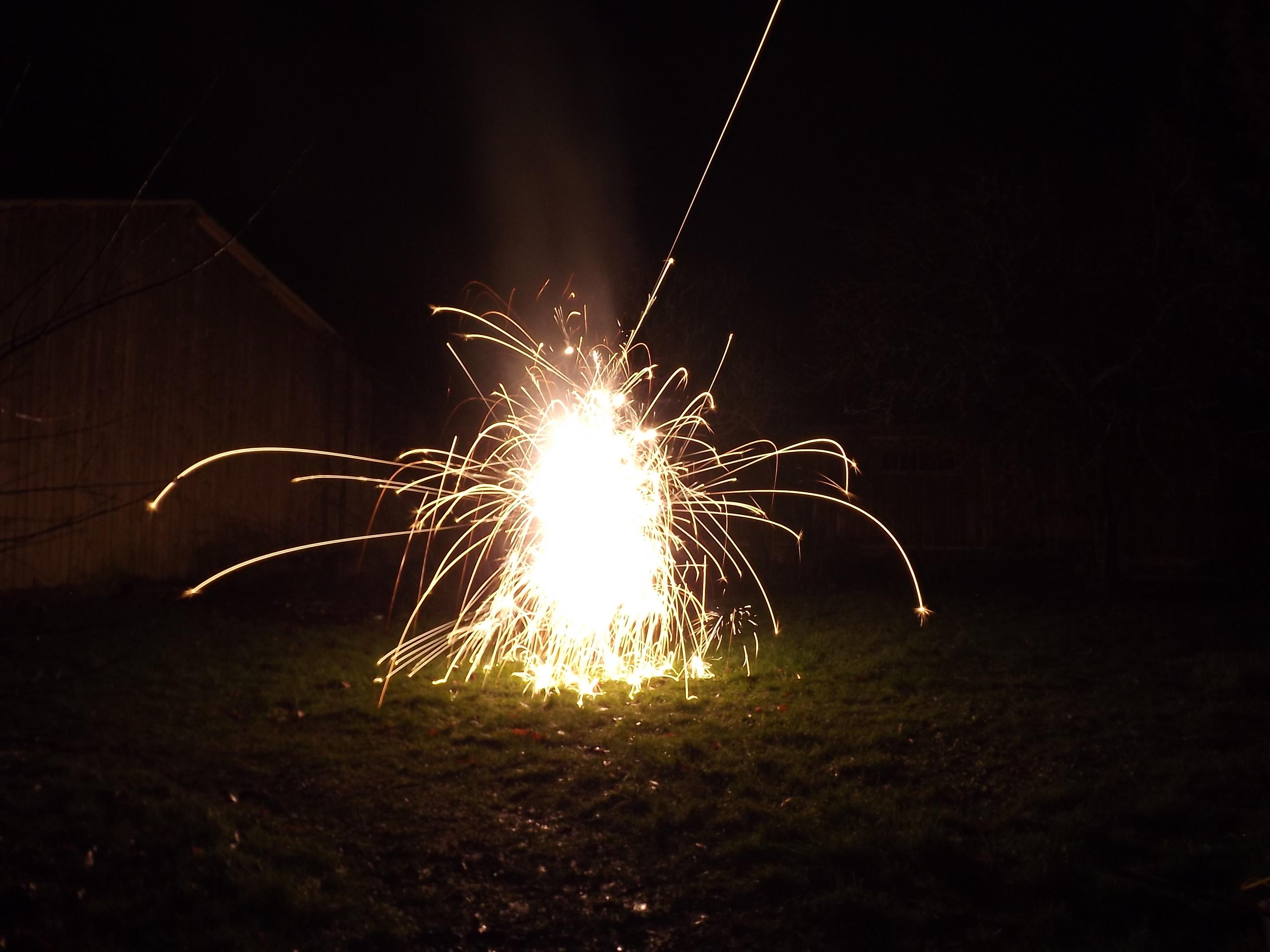6731-feuerwerk-silvester-neujahr-crackling