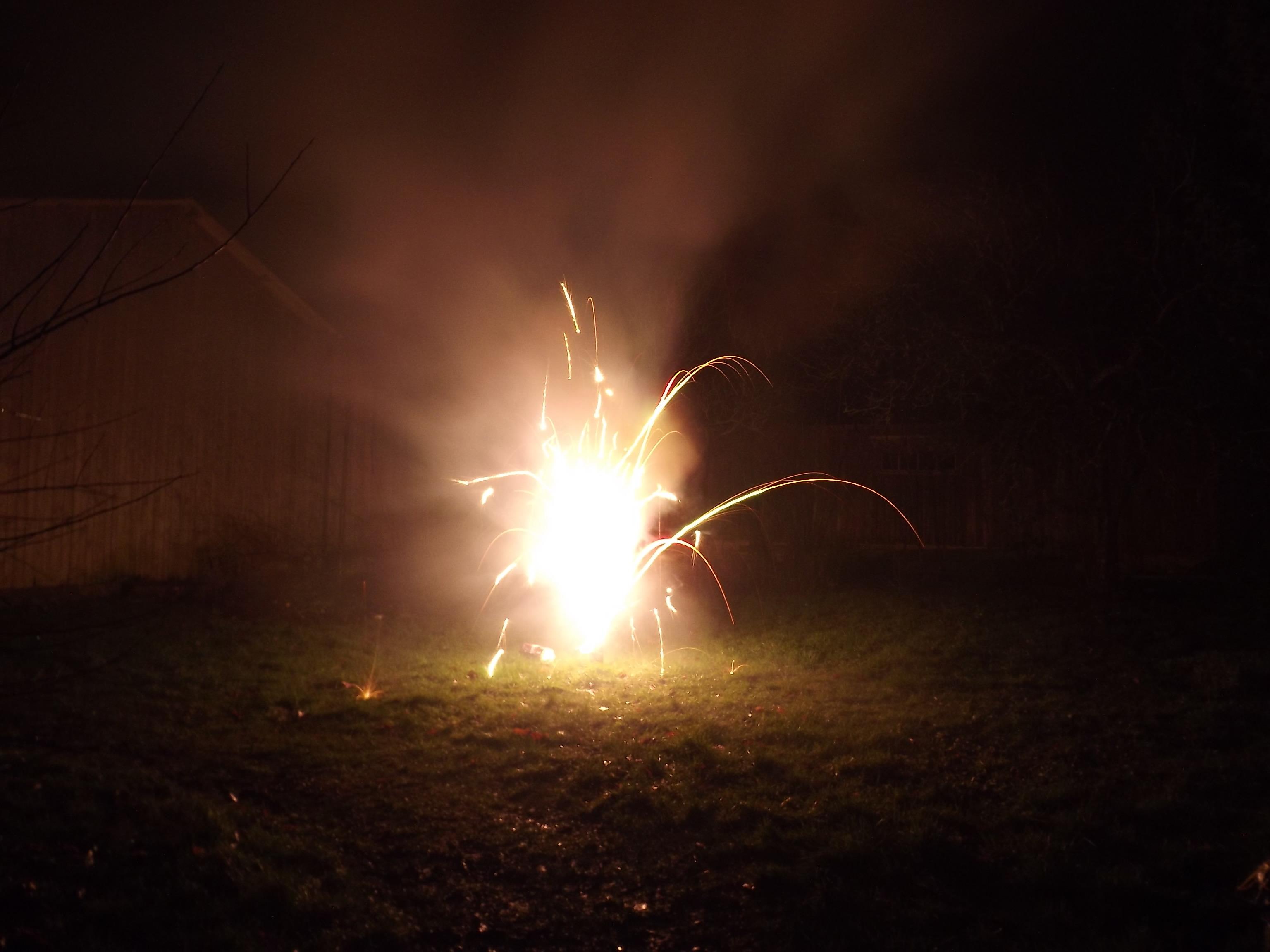 6742-feuerwerk-silvester-neujahr-leuchtspiel