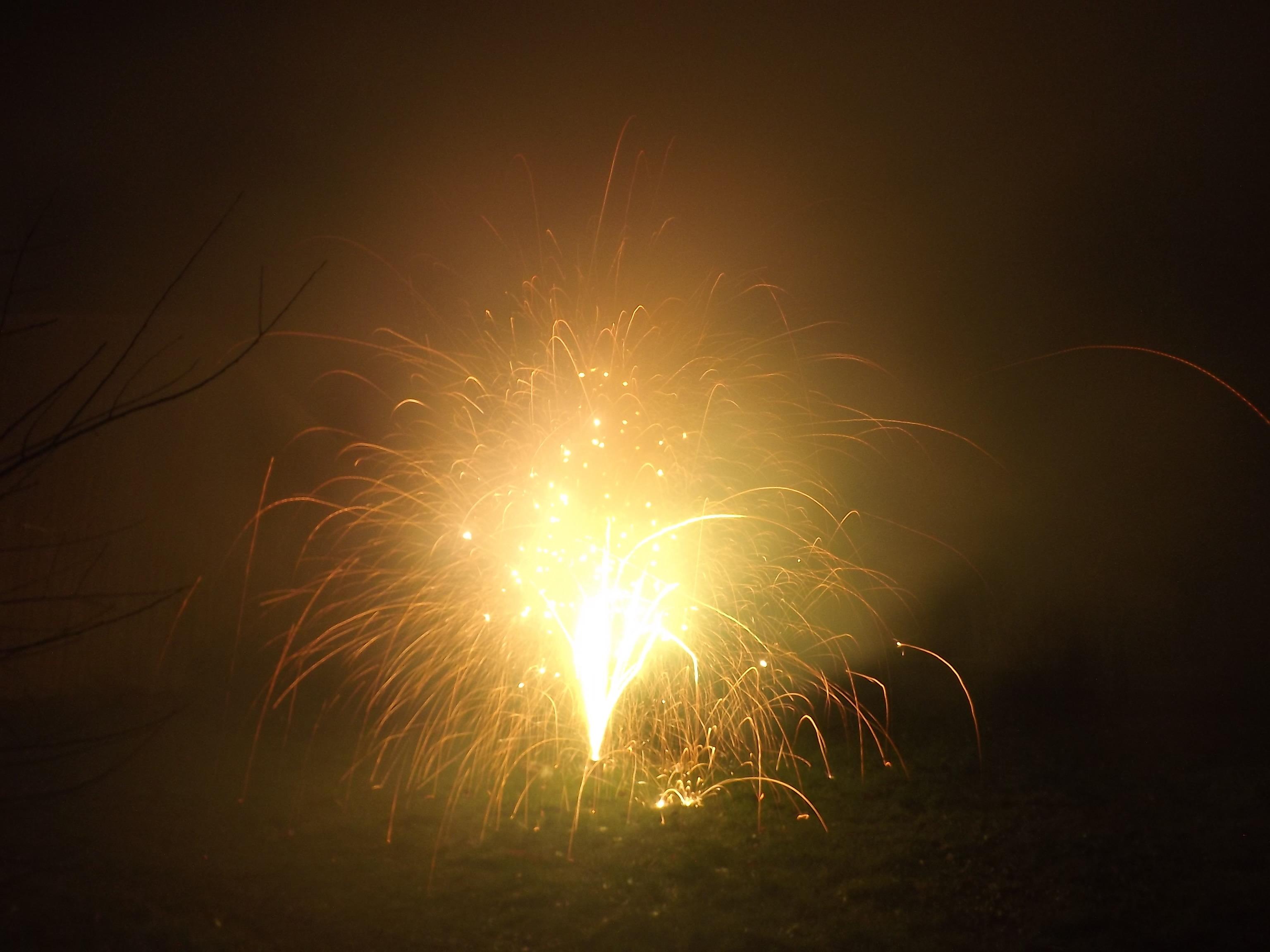 6745-feuerwerk-silvester-neujahr-feuer