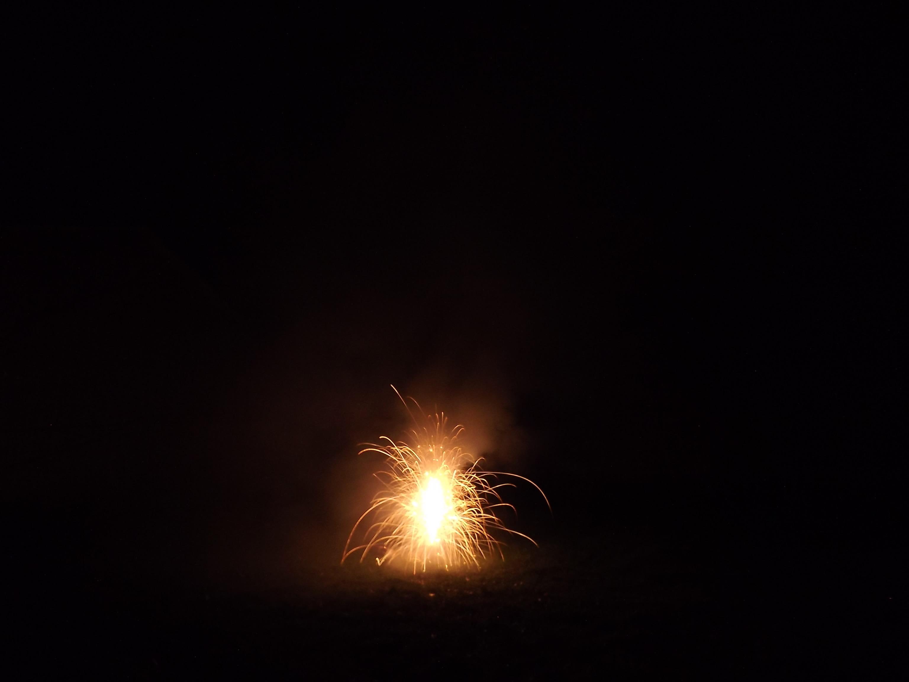 6759--feuerwerk-silvester-neujahr-feuer-orange