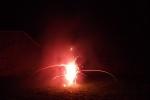 6758--feuerwerk-silvester-neujahr-rote-fackel