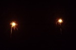 9058-zwei-wunderkerzen-dunkel