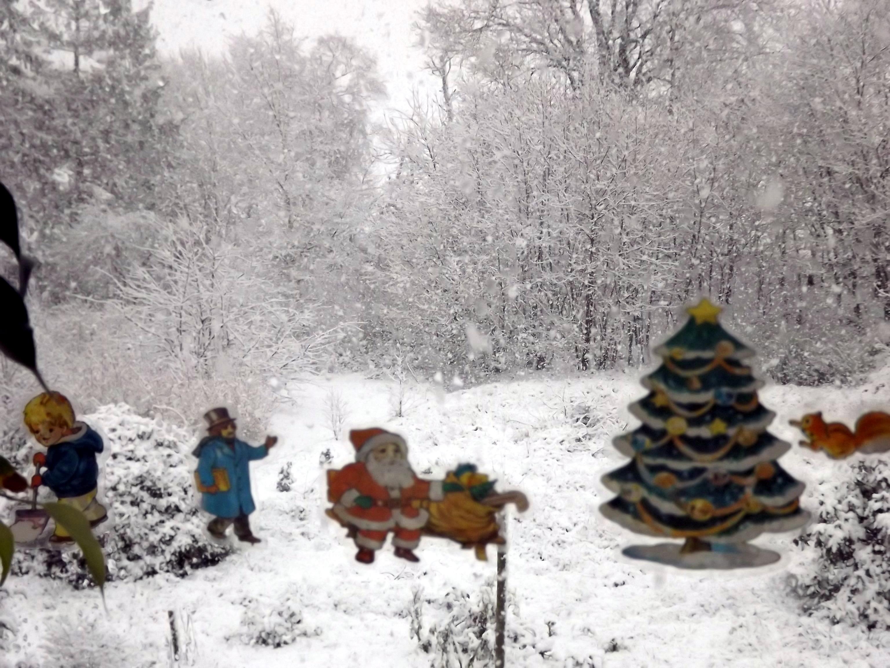 4653-fensterbilder-weihnachtsmann-tannenbaum