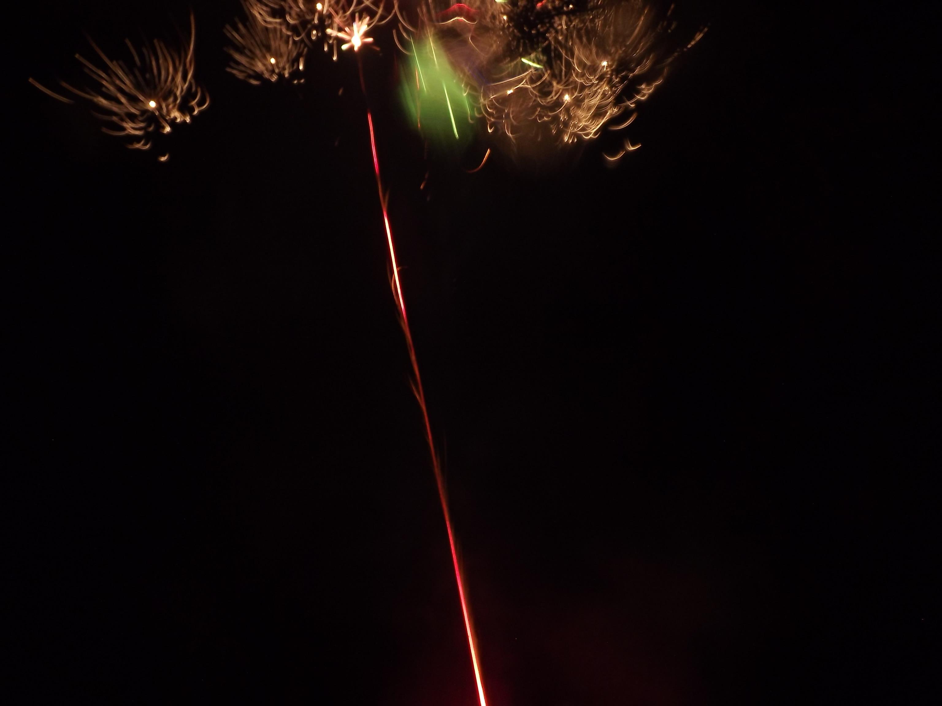 8324-feuerwerk-wolke-explosion
