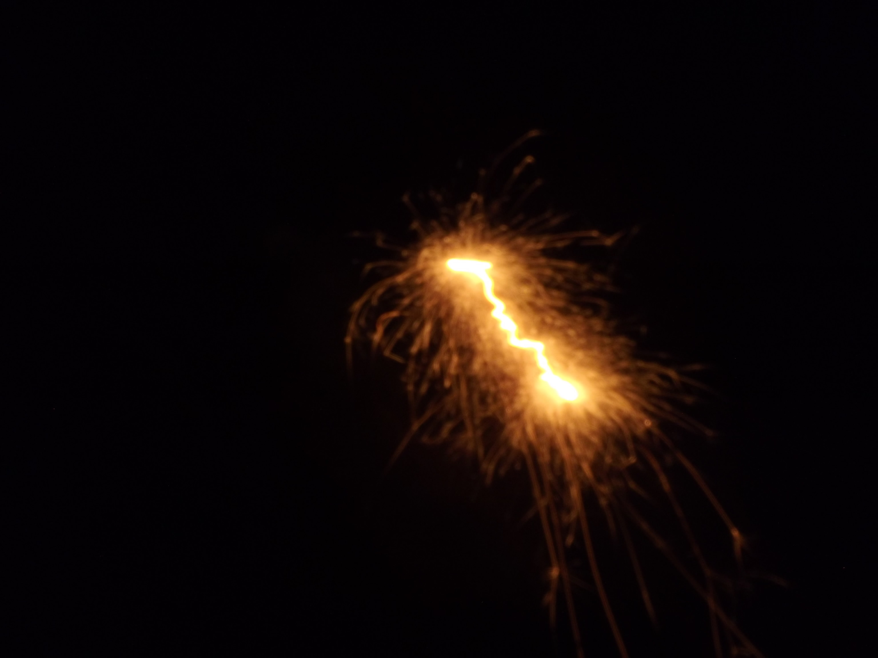 8349-spur--funken-feuer-leuchten