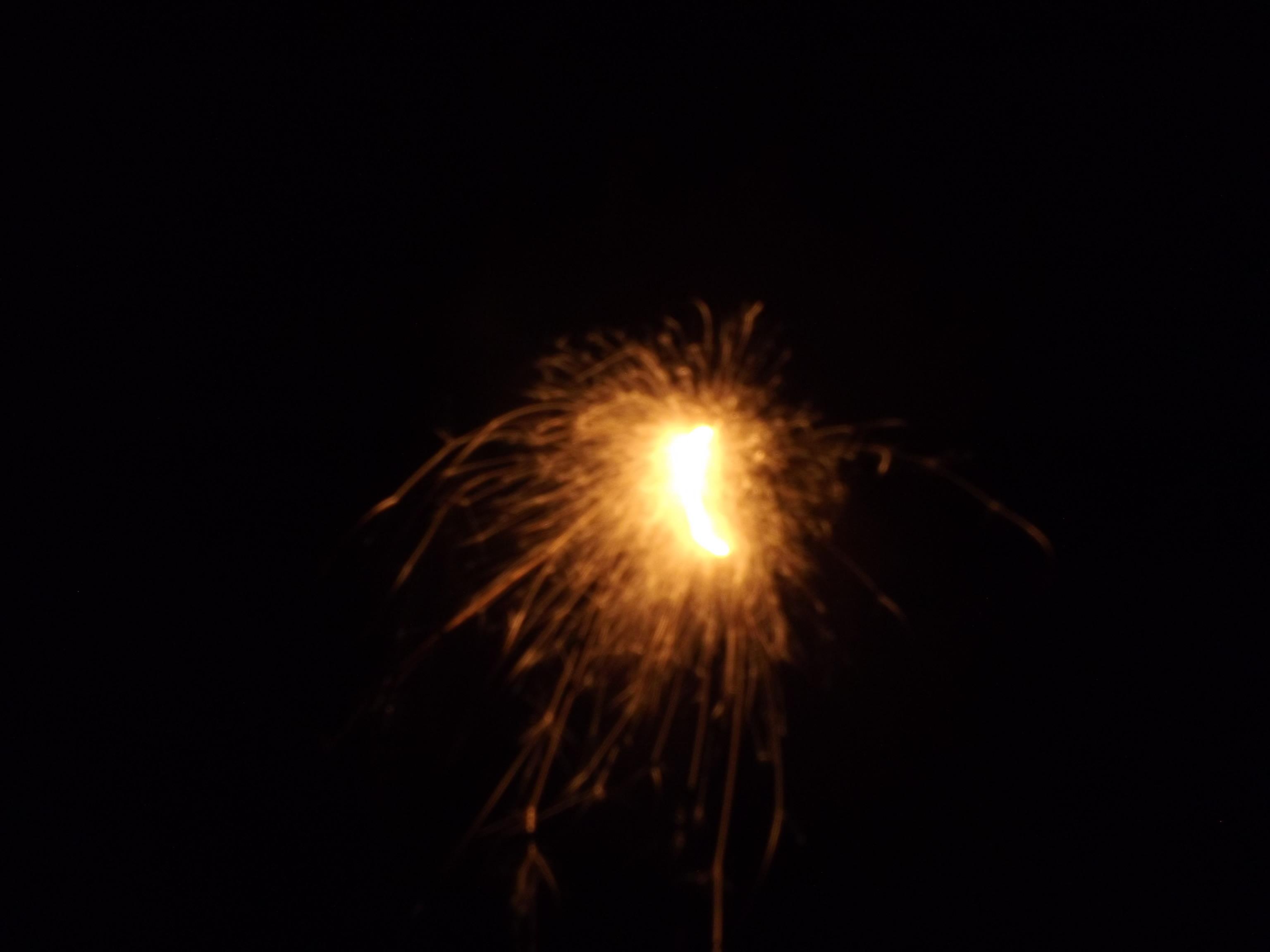 8350-gross-funken-feuer-leuchten