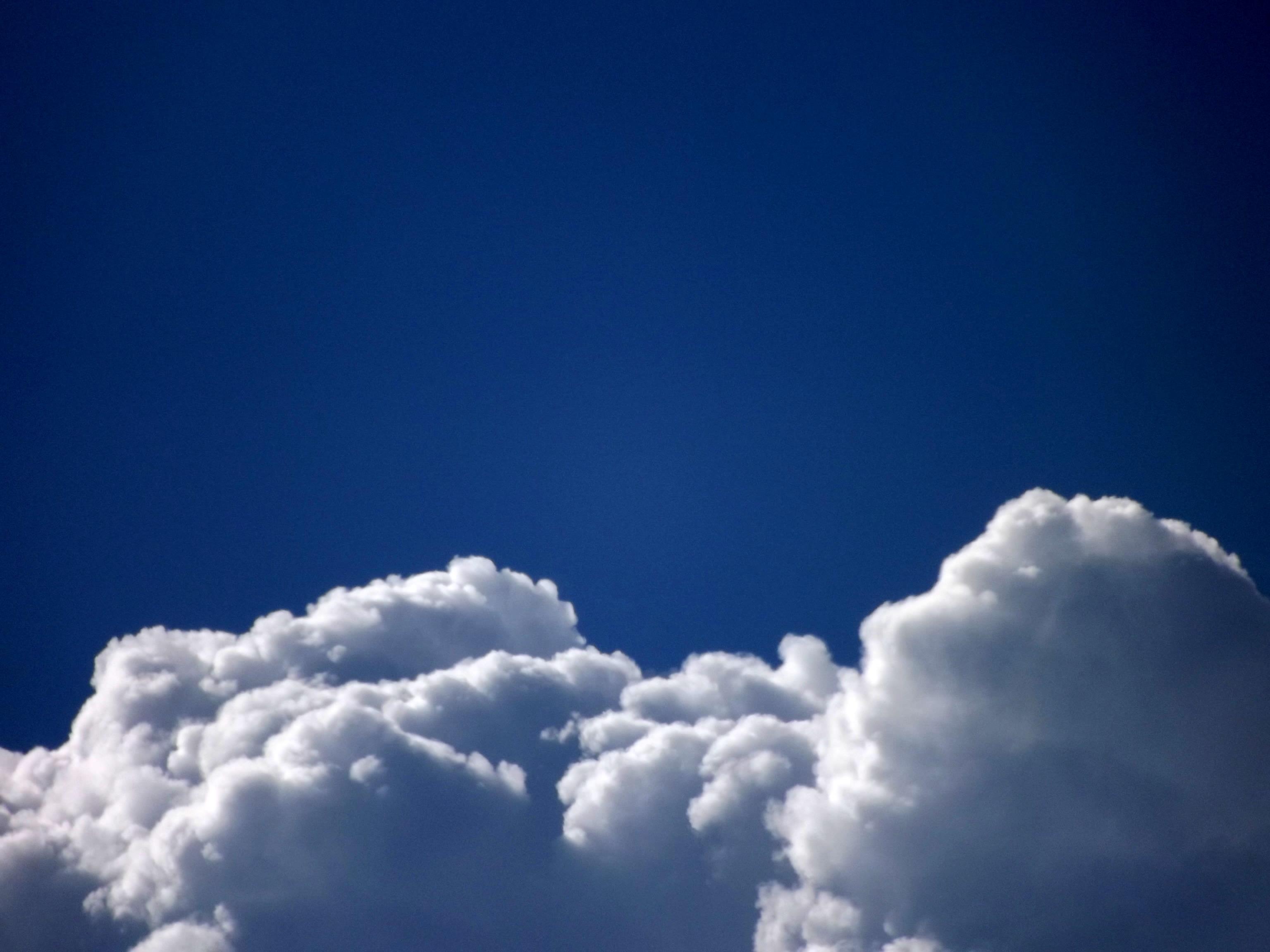 5261-wolkenlandschaft-blauer-himmel