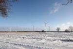 5747-eis-schnee-feld-windraeder
