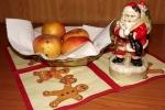 8239-weihnachtsmann-aepfel-schale