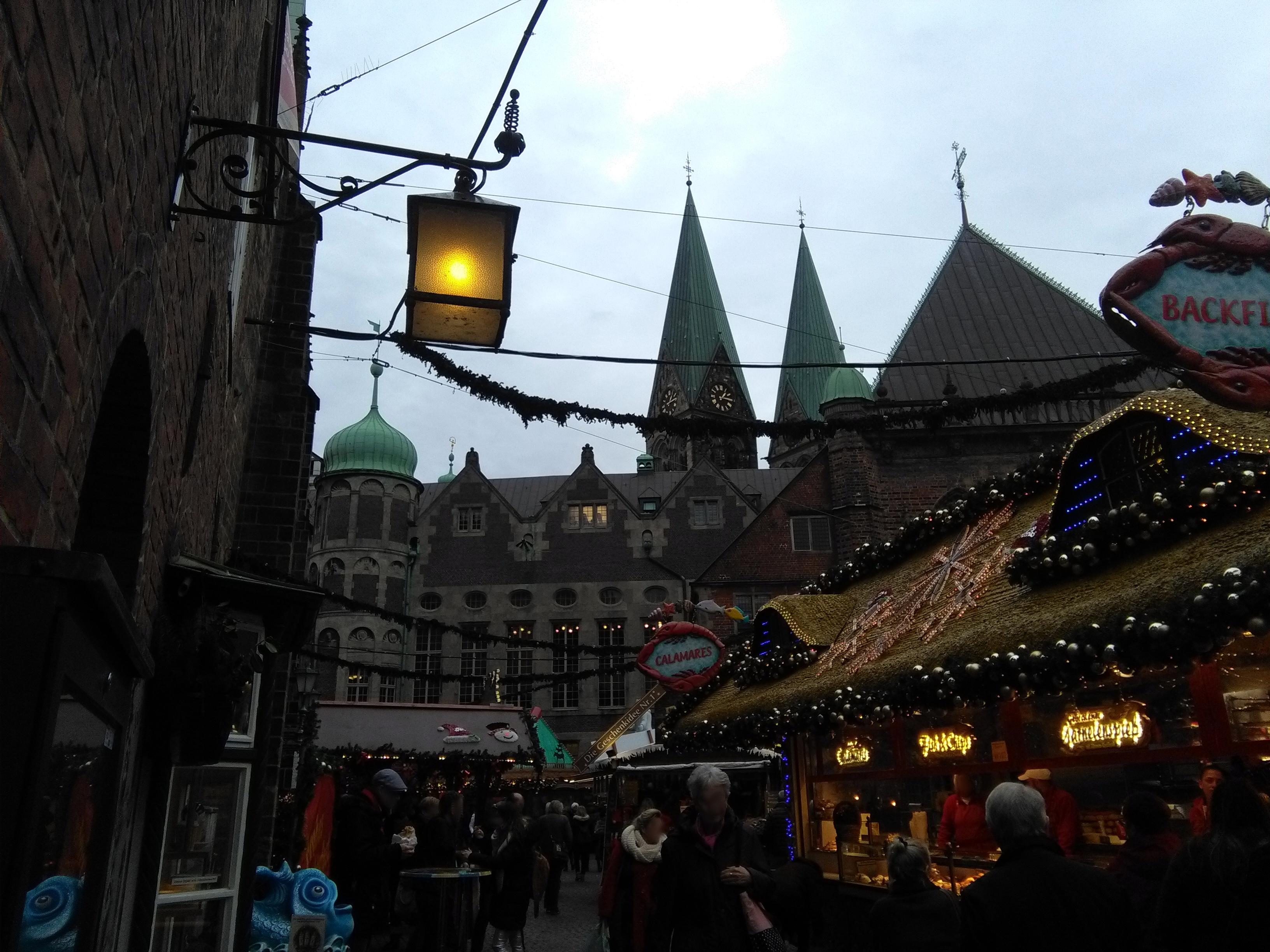 131546-laterne-weihnachtsmarkt-buden