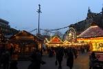 154319-weihnachtsmarkt-buden-riesenrad
