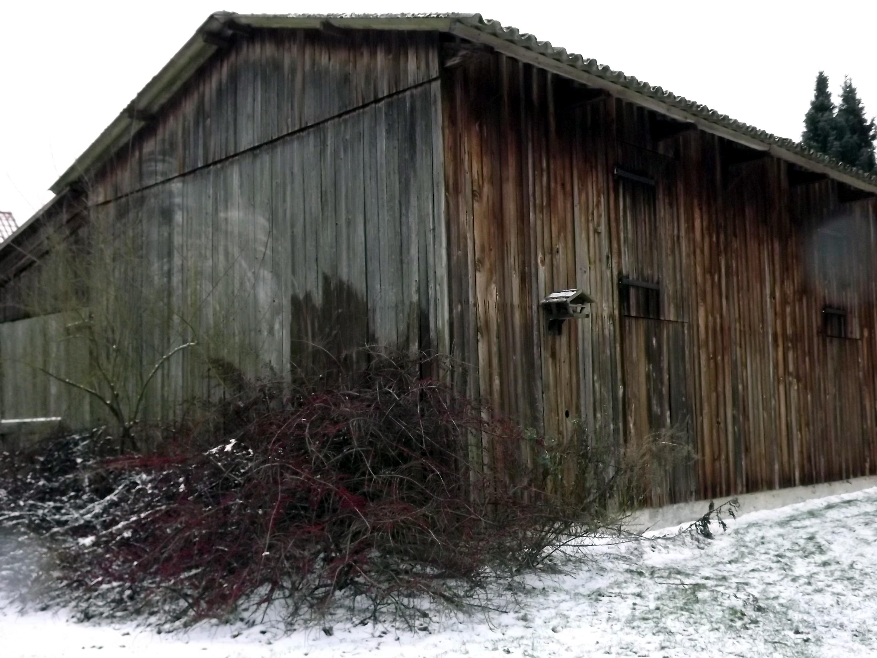 scheune-im-schnee