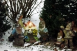 gartenzwerge-im-schnee